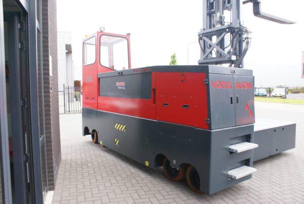 Votex Bison AA 10006 12006 Automotive steel staal stahl zijlader seitenstapler sideloader (7)